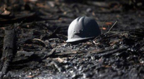 Episcopia Devei: Îndemn la rugăciune pentru minerii blocați în mina Lupeni