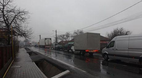 Breaking News: DN7 BLOCAT. Accident GRAV la Vețel