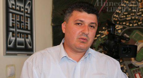 """Mircea Moloț se pregătește să """"atace"""" Primăria Hunedoara"""