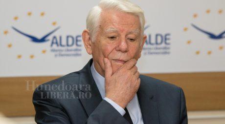 PSD îl susţine pe Teodor Meleşcanu pentru funcţia de preşedinte al Senatului