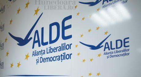 ALDE merge cu Tăriceanu la prezidențiale și cu ProRomânia