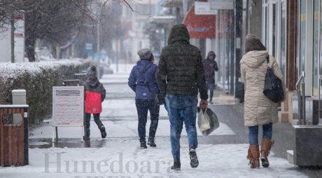 METEO ALERT: Se întorc ninsorile în județul Hunedoara