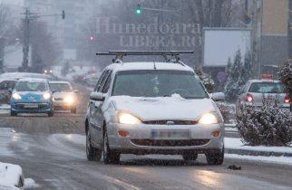 Jumătate dintre şoferii români consideră ridicat riscul de a fi implicaţi într-un accident auto