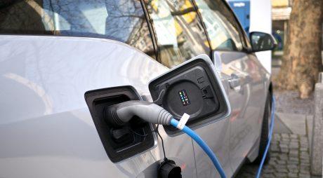 Rabla 2019. Cum obții banii pentru o mașină electrică sau hibridă