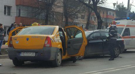 Breaking News: Doi răniți într-un accident grav produs la Hunedoara