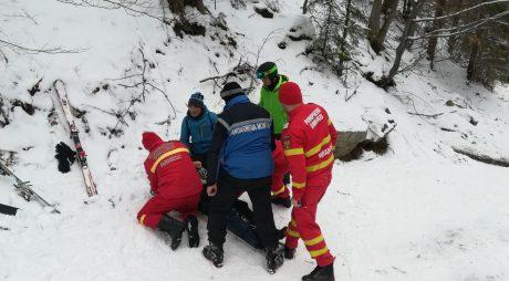 Turistă rănită la schi pe o pârtie din Parâng