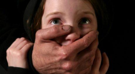 Pedepse reduse pentru pedofilii care acceptă castrarea chimică