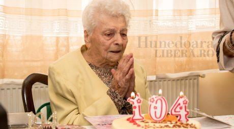 Cel mai vârstnic devean a împlinit 104 ani
