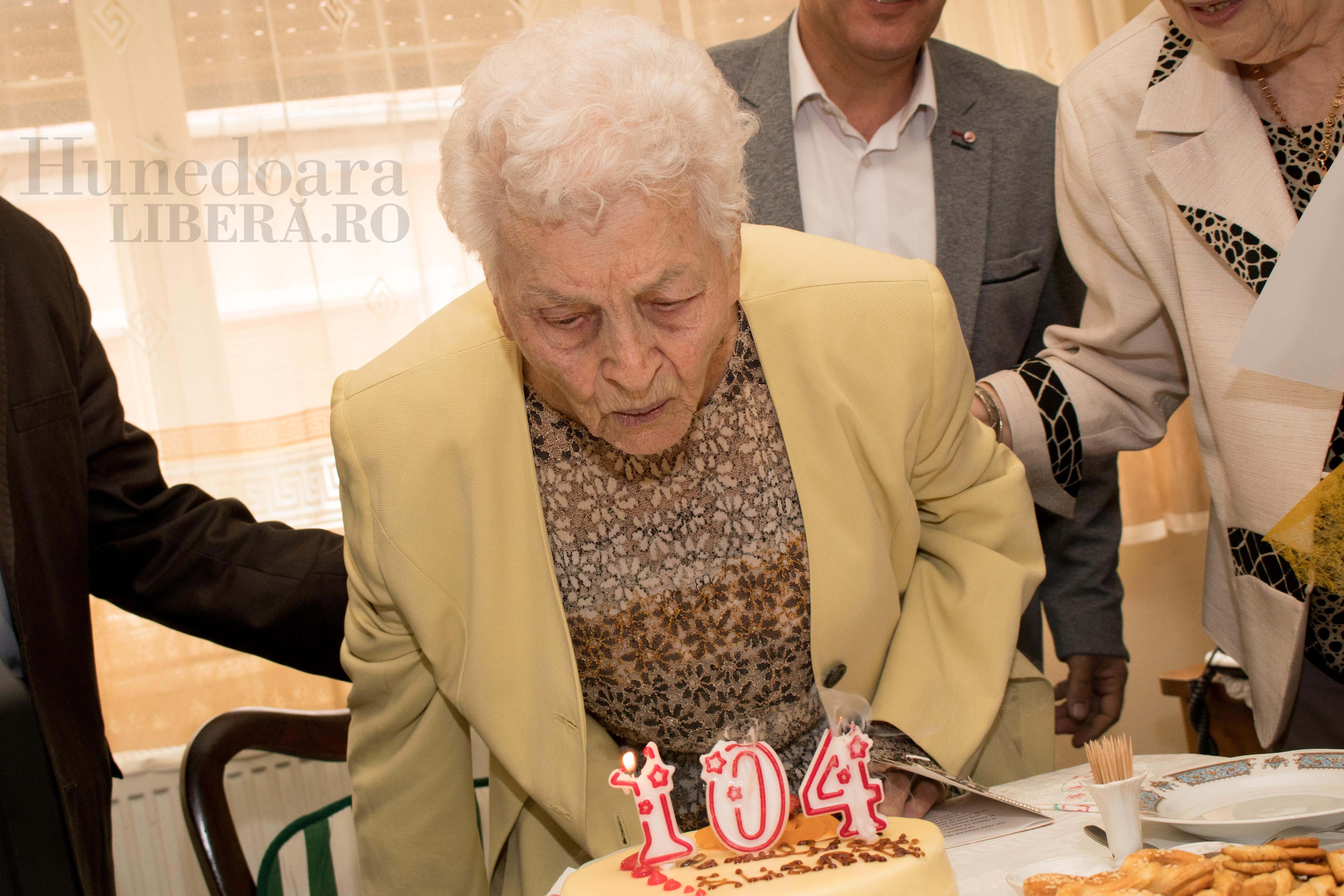 aniversare 104 ani elisabeta dinis (4)