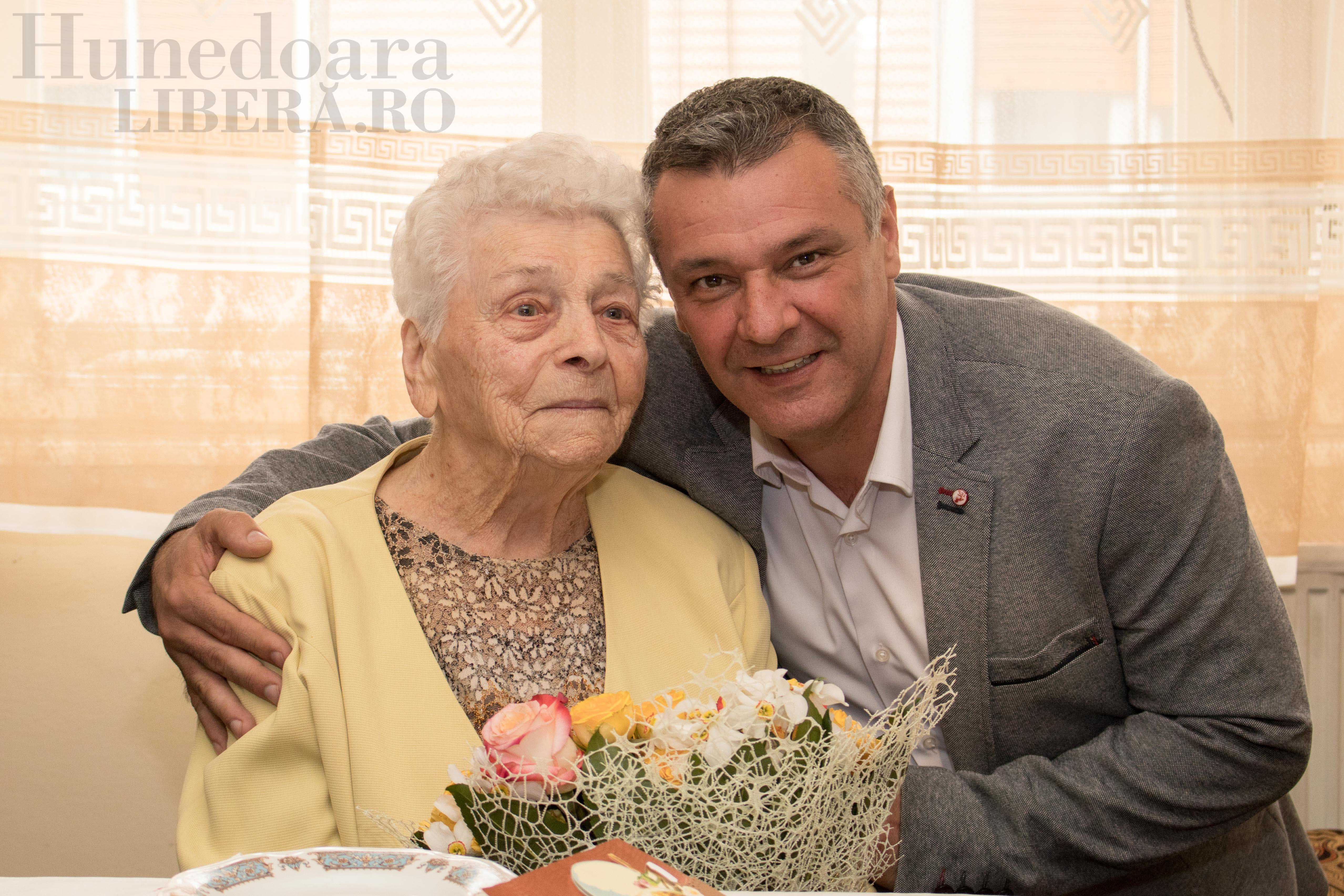 aniversare 104 ani elisabeta dinis (5)