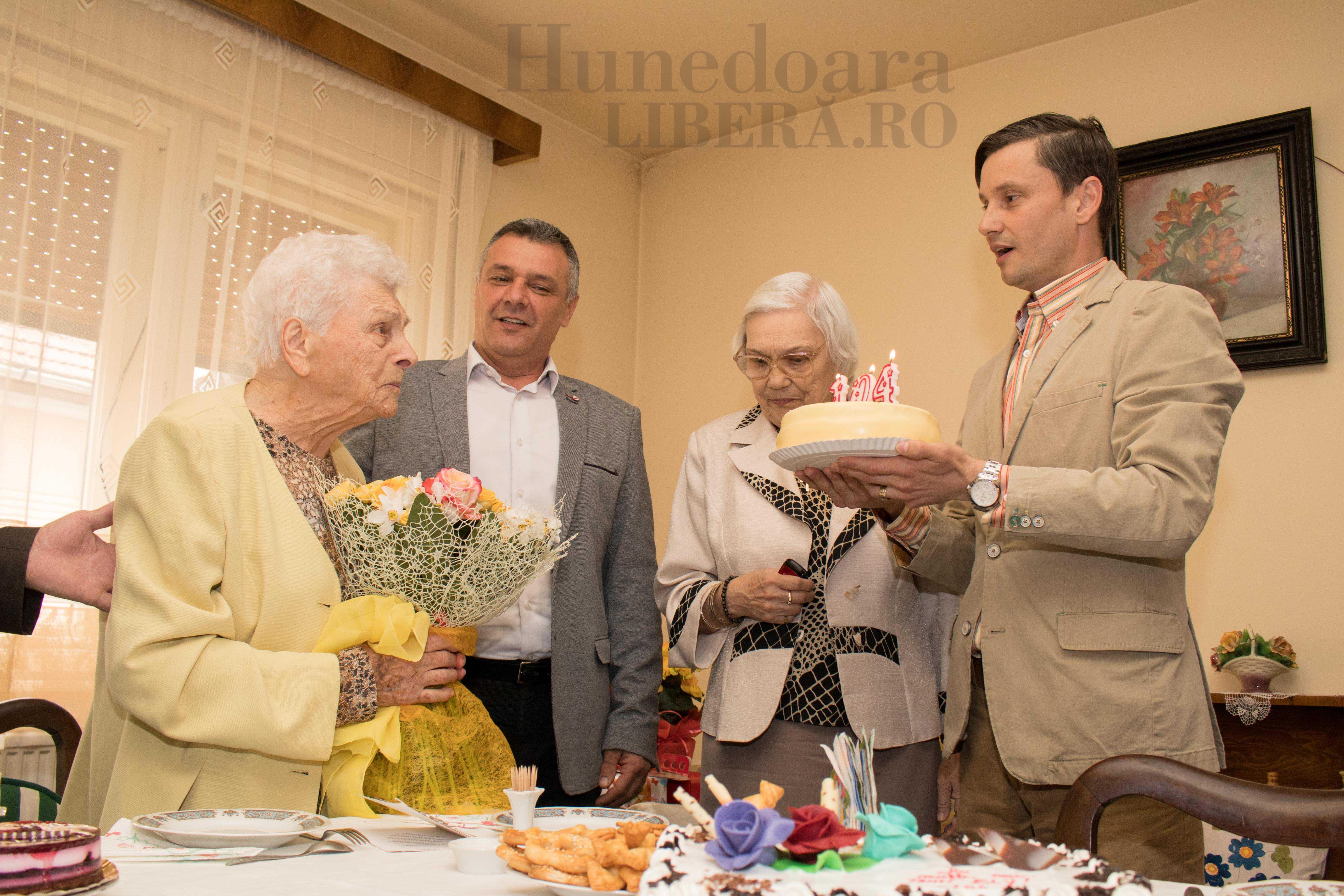 aniversare 104 ani elisabeta dinis (7)