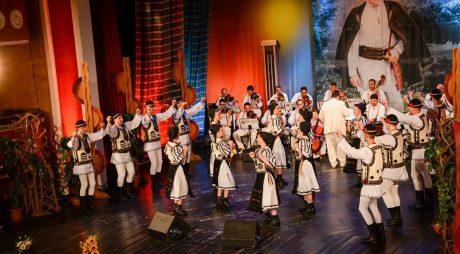Spectacol folcloric pe 9 Mai, la Simeria