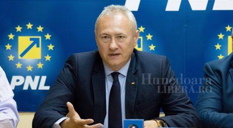 """L. Heiuș (PNL): """"Ne dorim ca alegerile locale să fie organizate în 27 septembrie sau 4 octombrie"""""""