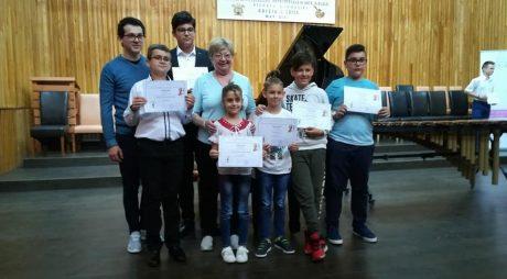 Noi rezultate obținute de elevi pianiști din Deva