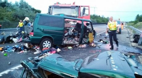TRAGEDIE. Nouă români MORȚI într-un grav accident lângă Budapesta