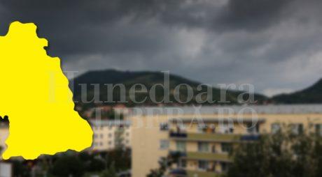 Cod galben de vijelii și ploi, în județul Hunedoara