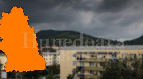 Marți, județul Hunedoara se află sub cod PORTOCALIU de ploi abundente și inundații