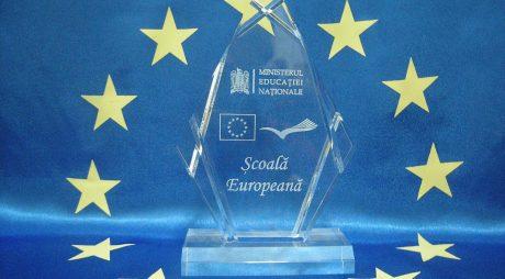 """Trei școli hunedorene distinse cu titlul de """"Școală europeană""""!"""