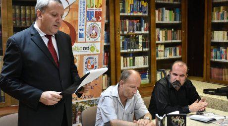 O nouă carte de poezie cu semnătura lui Daniel Marian