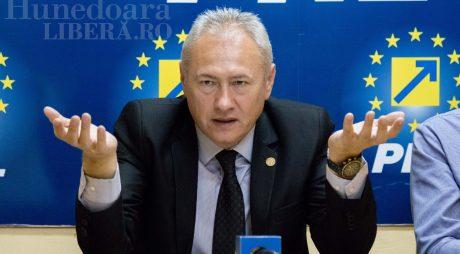 Deputatul Lucian Heiuș susține că Mircea Bobora ar fi demisionat de la conducerea CJ Hunedoara