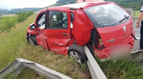 GALERIE FOTO-Accident pe autostrada Deva-Sibiu!