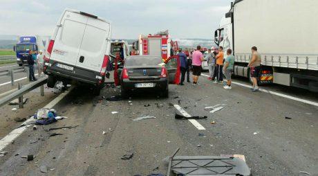 Cum opreşti pe autostradă în cazul unui accident
