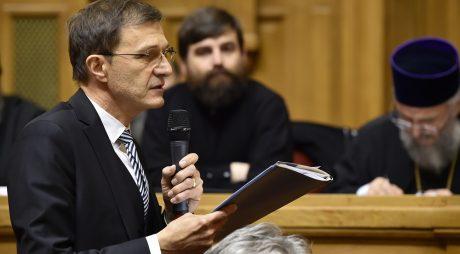 Președintele Academiei Române conferențiază la Deva