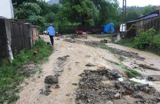 Mii de oameni afectați de inundații