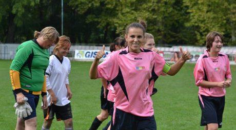 O deveancă la cârma echipei feminine de fotbal CS INEU