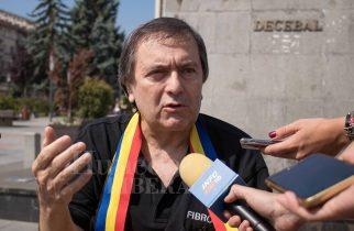 """Lansare volum: """"Mihai Eminescu. Un Dumnezeu rănit"""""""