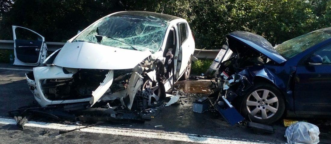 FOTO. Accident rutier grav cu 7 răniți pe DN7