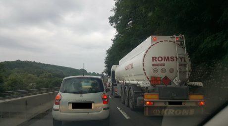 Trafic rutier îngreunat pe DN7, la ieșirea din Deva