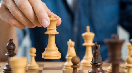 Elevii scutiţi la orele de educaţie fizică şi sport vor face şah