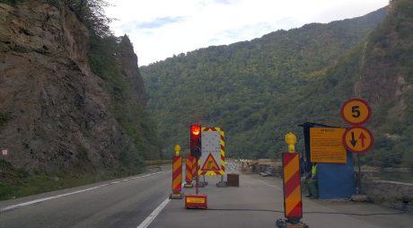 Traficul rutier, ÎNCHIS pe Valea Oltului