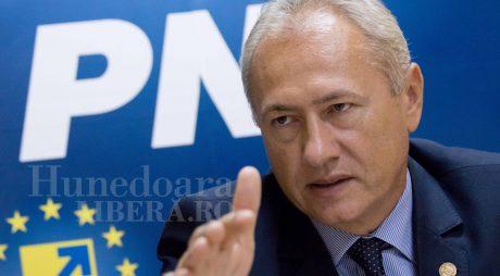 Ce le răspunde președintele PNL Hunedoara celor doi dezertori