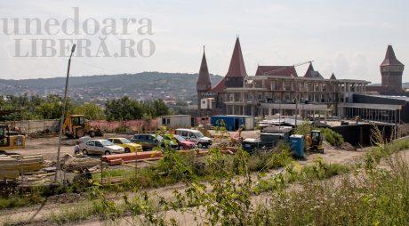 CAZUL hotelului ultramodern al senatorului CARMEN HĂRĂU BUBUIE în presa națională