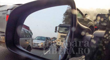 Infotrafic: Circulaţie restricţionată pe mai multe sectoare ale autostrăzilor A1, A3 şi A10