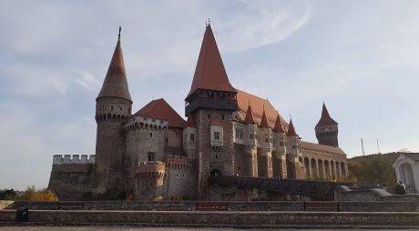Record Hunedoara: Aproximativ 90.000 de turiști la Castelul Corvinilor în august