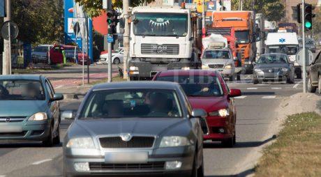 Înmatricularea și radierea mașinilor s-ar putea face la Registrul Auto Român. Proiect, adoptat tacit la Senat