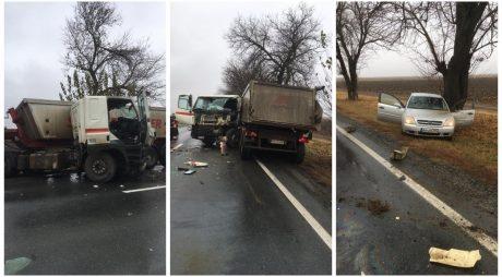 Accident pe DN7 între un TIR și un autoturism