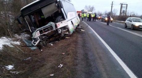 Accident grav, cu un autocar, în vestul țării