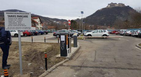 Deva: Parcarea Publică din Piața Unirii de azi cu plată