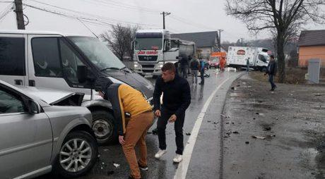 FOTO: Accident rutier pe DN7, în Simeria