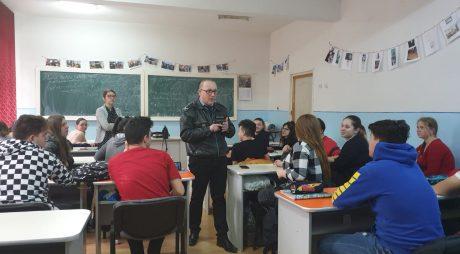 Primăria Municipiului Deva și Poliția Locală susțin proiectele educaționale în școli