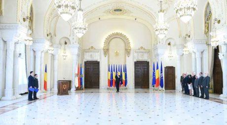 Noii miniştri ai Dezvoltării şi Transporturilor au depus jurământul de învestitură în funcţii