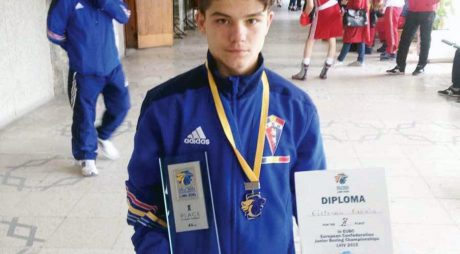 Cu cine va boxa Cosmin Gîrleanu în finala CE Under-22 de box