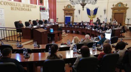 Peste 3,6 milioane de euro, fonduri europene pentru spitalele din Deva și Hunedoara
