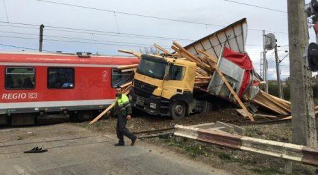 Accident feroviar în România! Peste 60 de persoane, evaluate medical
