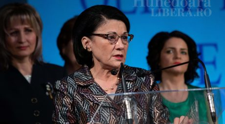 Ecaterina Andronescu, la Deva