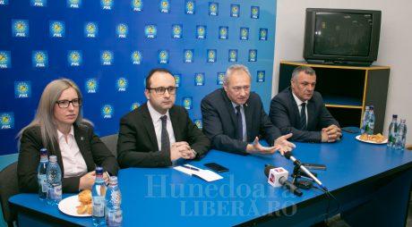 Apar primele acuzații de campanie: PNL contra PSD